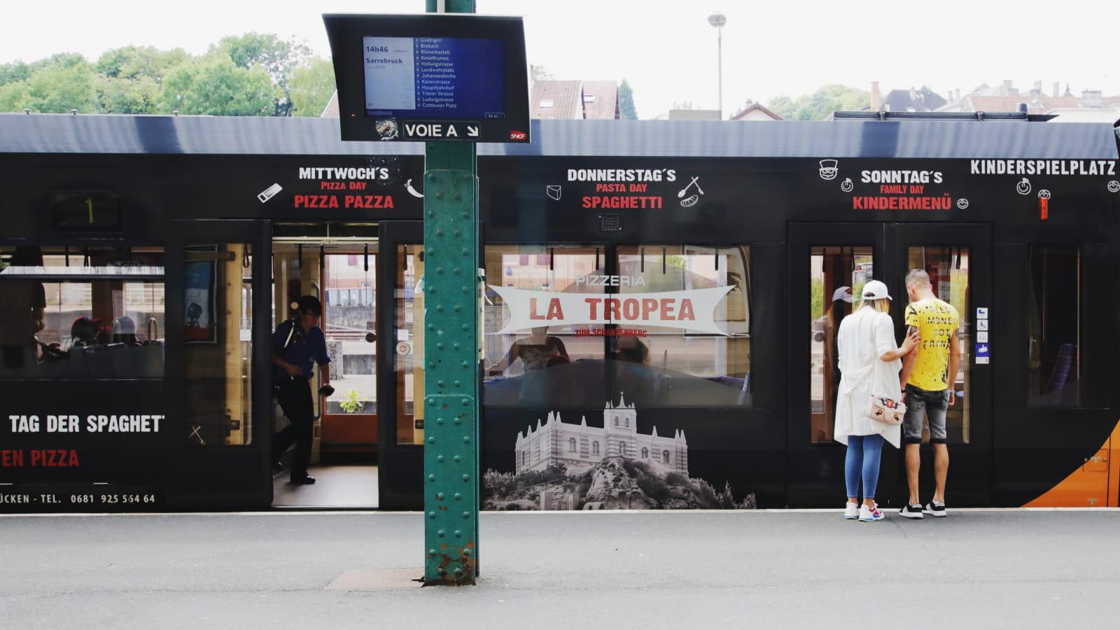 Tram à la gare Sncf de Sarreguemines